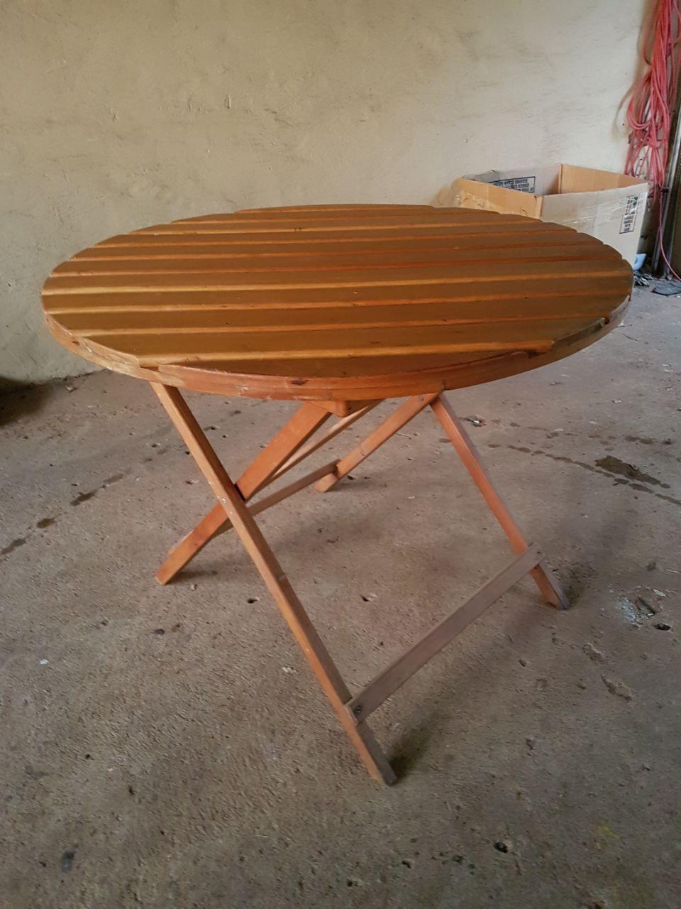 Round wooden foldup table, 960cm
