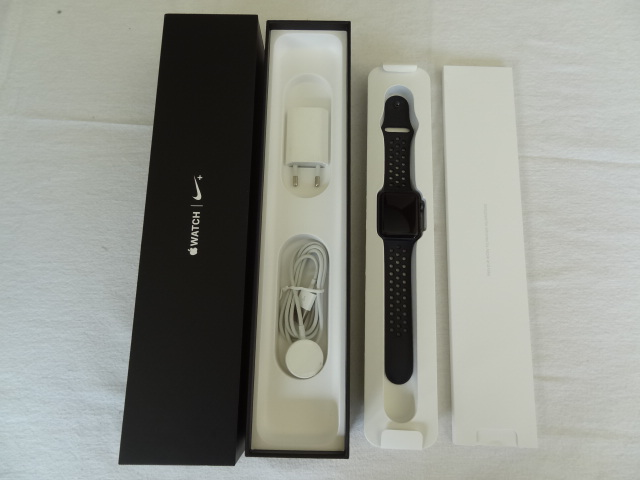 APPLE WATCH NIKE+ GPS 42MM SPACE GREY WITH ANTHRACITE BL NIKE SB