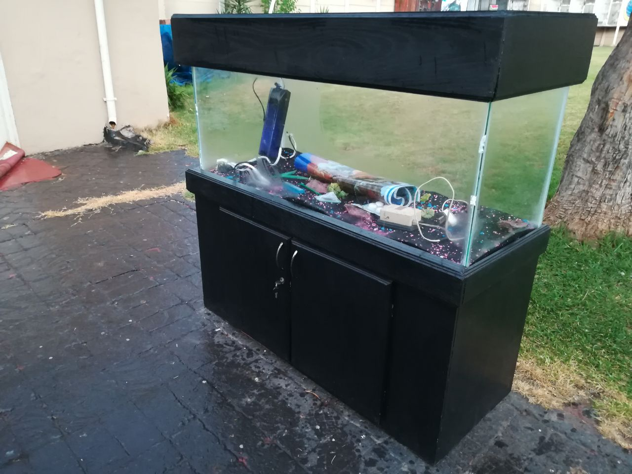 4 foot fish tank in cabinet