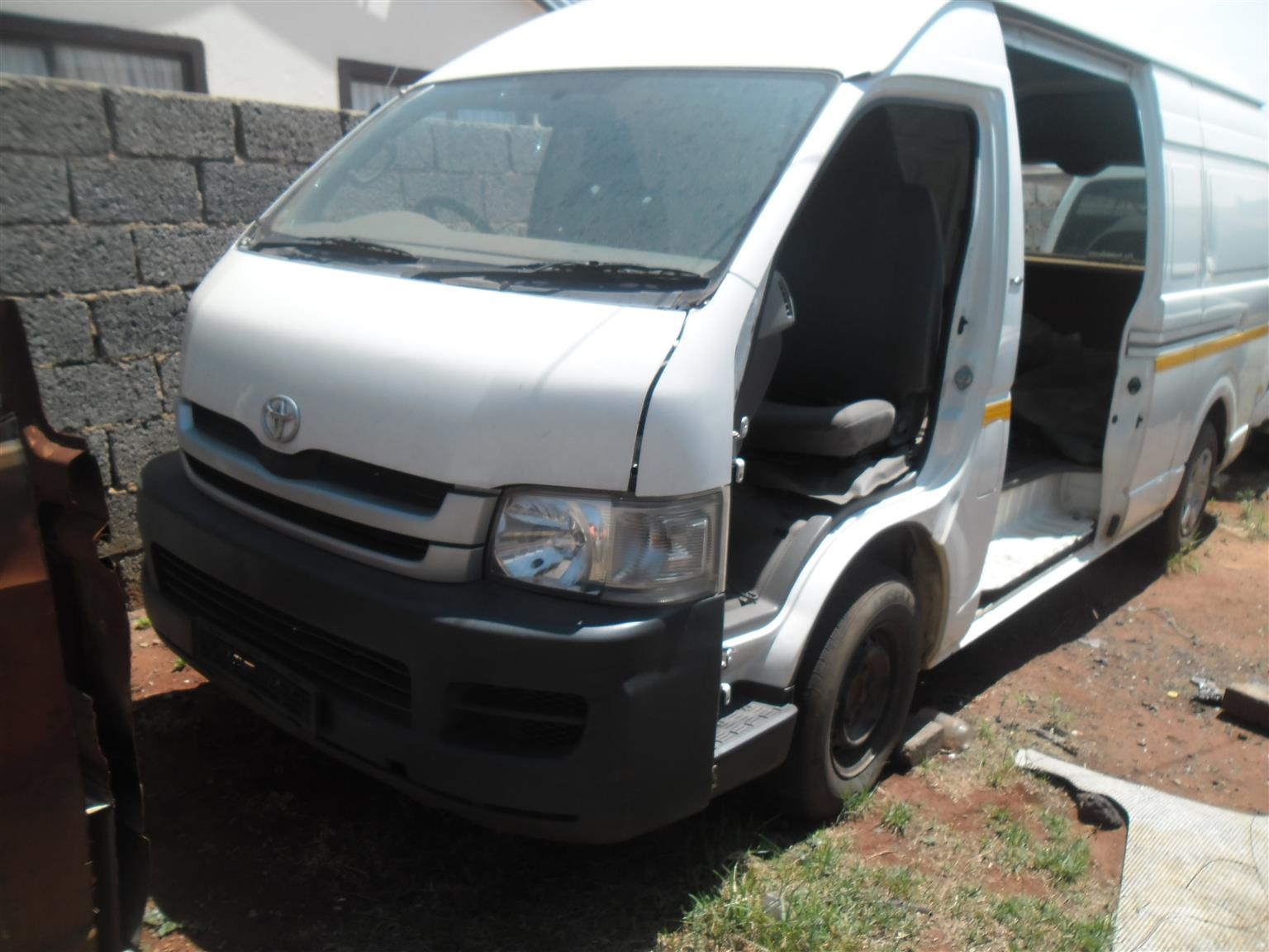 TOYOTA QUANTUM STRIPPING FOR SPARES