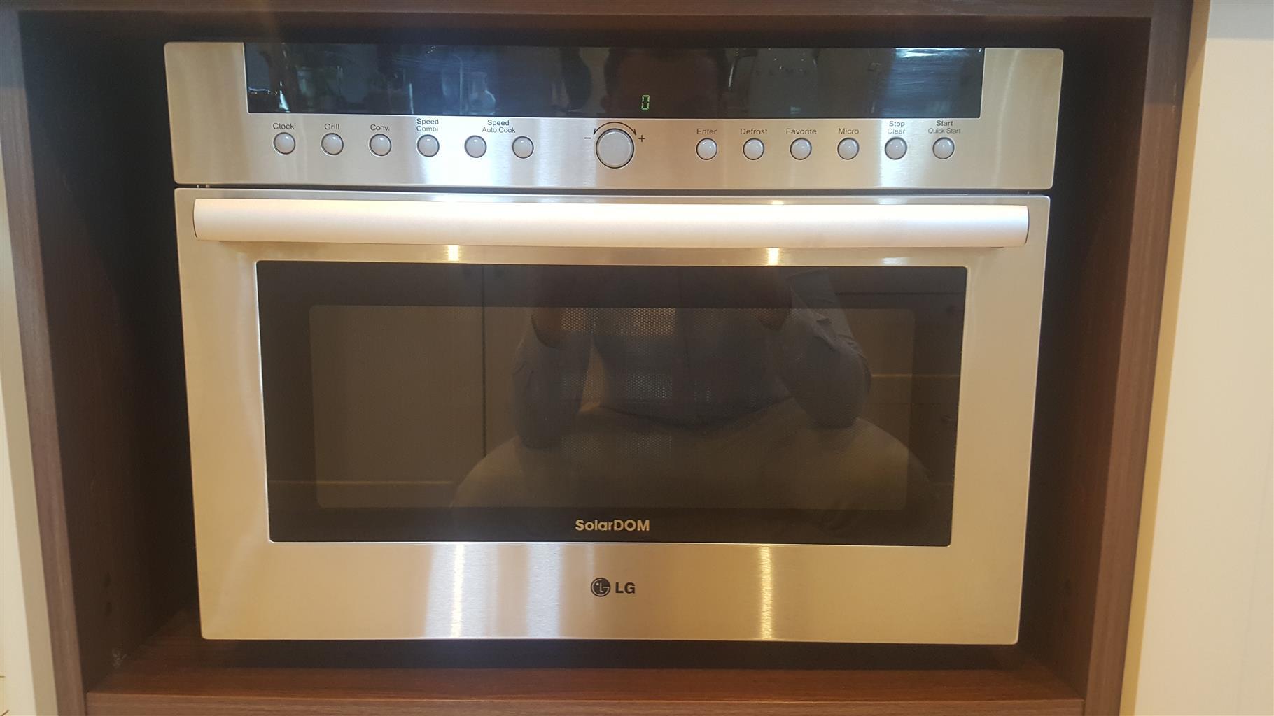 38L Solardom Microwave Oven