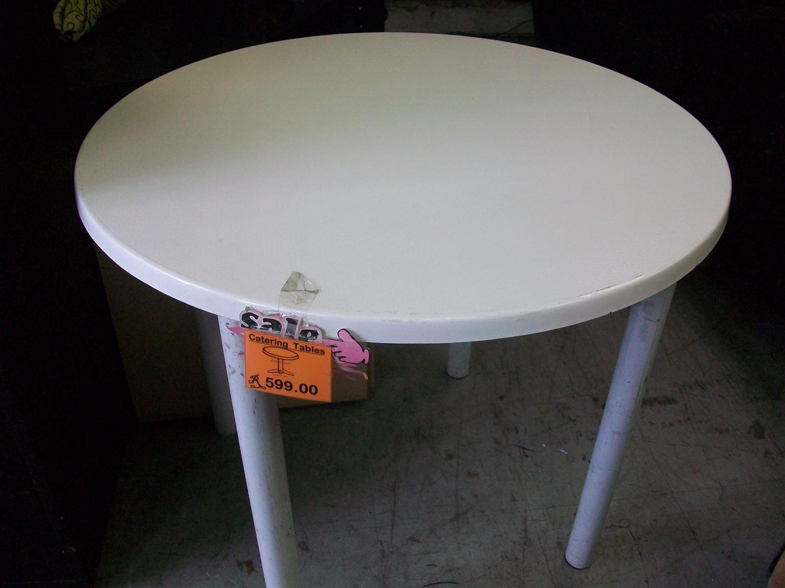 White Round 1-m Catering Table