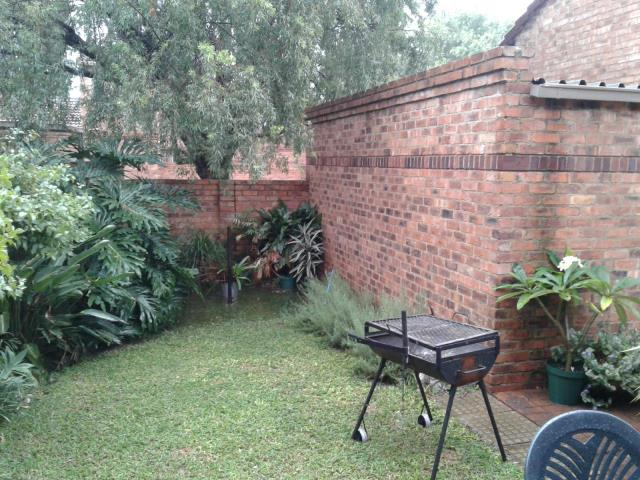 3 Bed duplex is situated in a popular area of Highveld