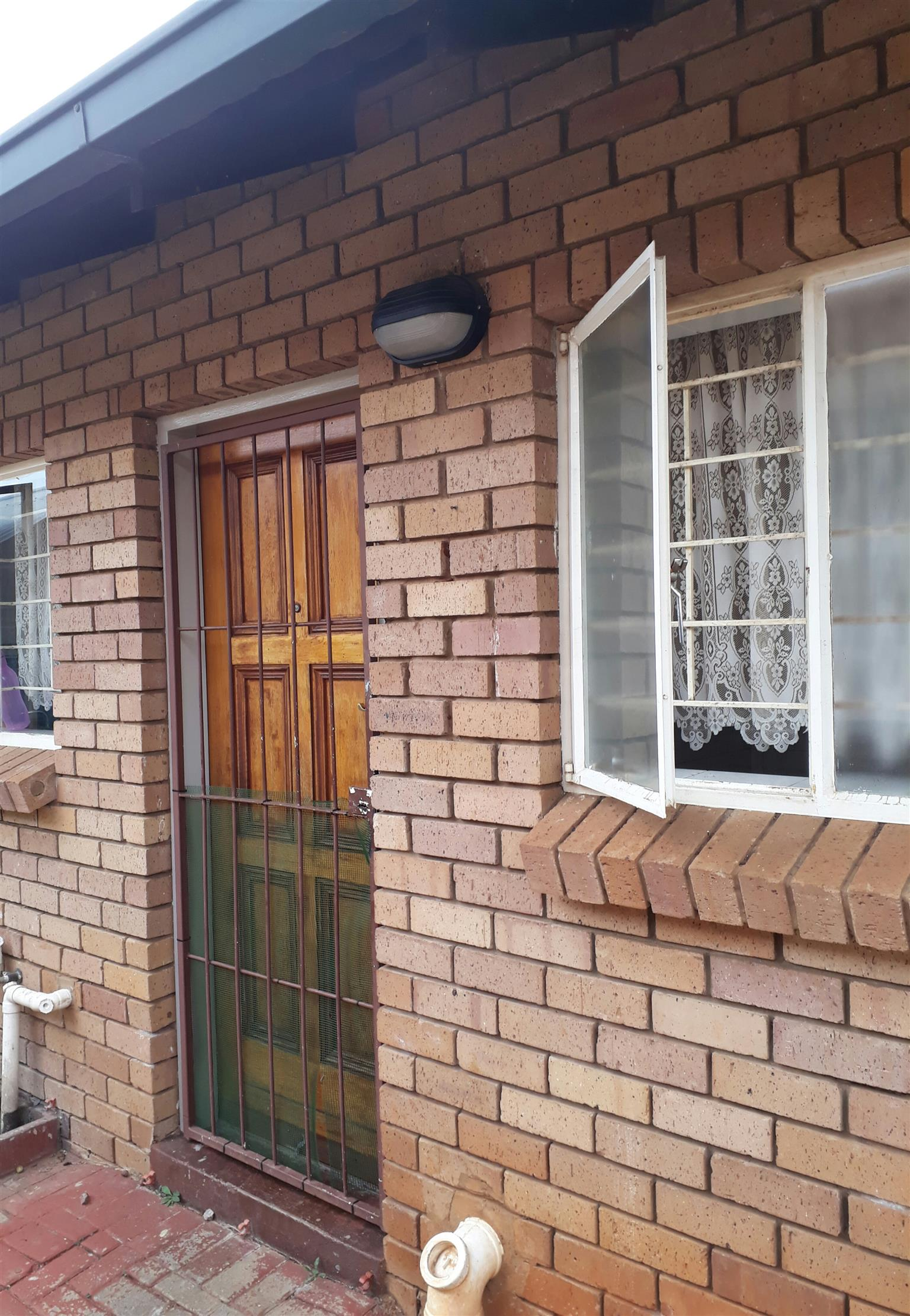 2 bedroom Townhouse in Annlin for R740000