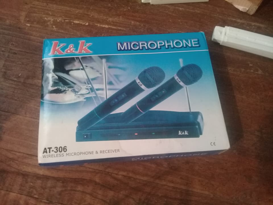 Wireless microphones for sale
