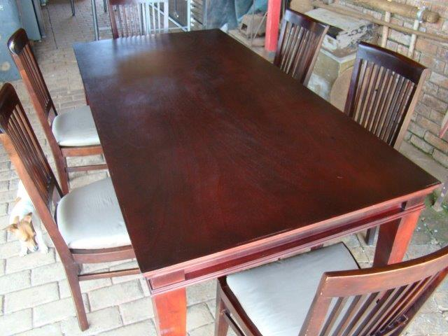 R 3 950 For Sale Dining Room Table