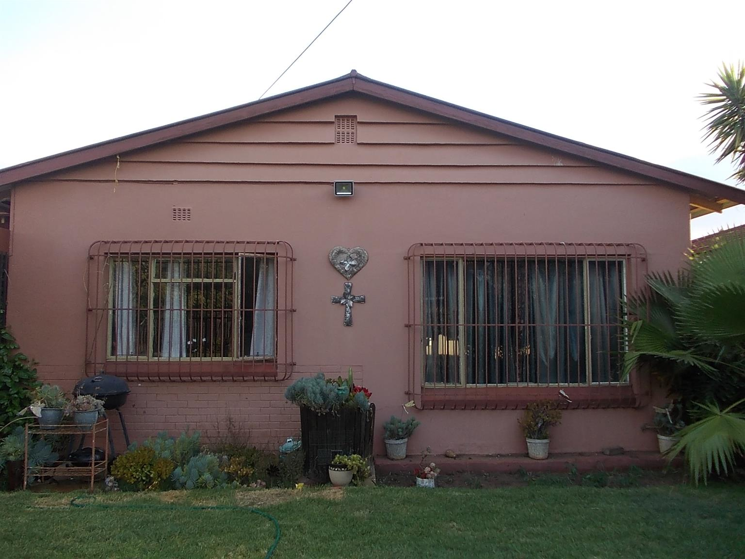 3 BEDROOM HOUSE FOR SALE IN CLAREMONT!!!