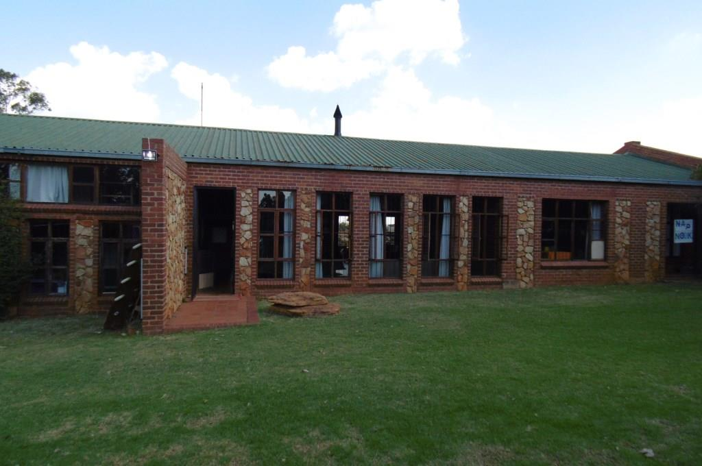 Plot for SALE! Two houses and located just outside Pretoria