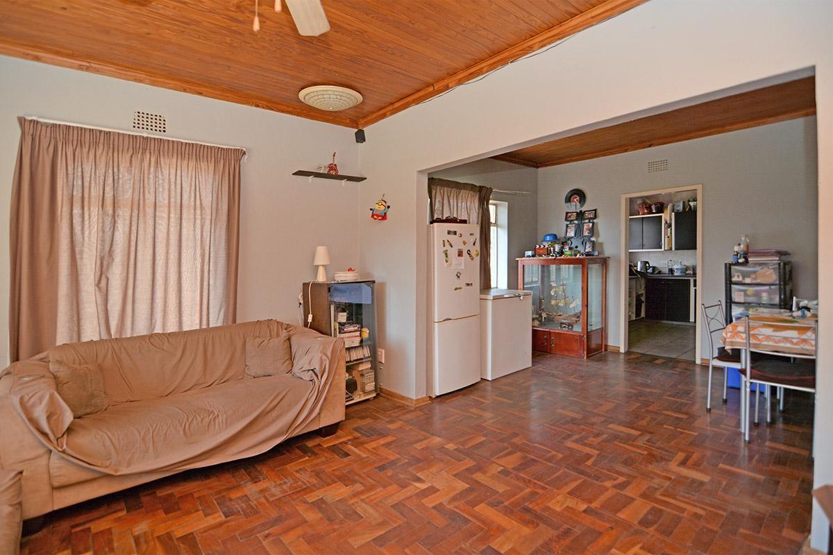 3 Bedroom house INCLUDES 1 bedroom flatlet