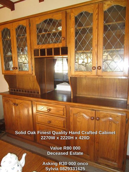 Superb Quality Hand Crafted Solid Oak Dinning/Wall Unit
