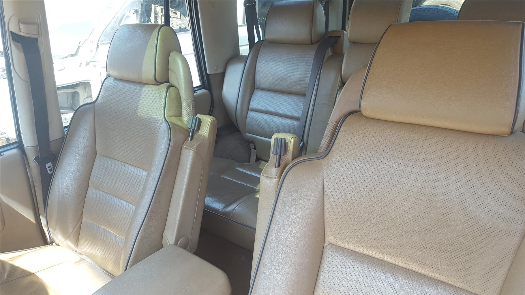 Land Rover Discovery 2 TD5 Seats | Auto Ezi