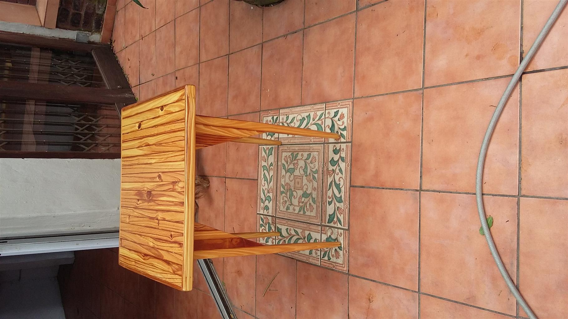 Oregon pine table 650x650mm