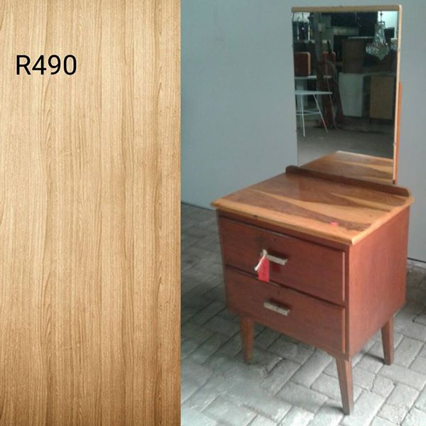 Double drawer wooden dresser with mirror