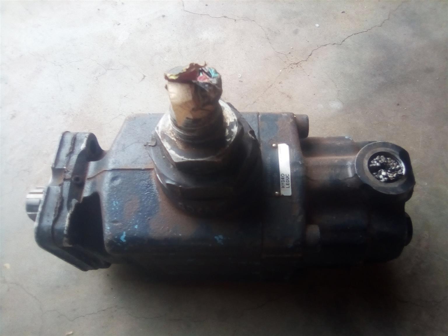 Hydraulic Pump for sale - R4000 ono