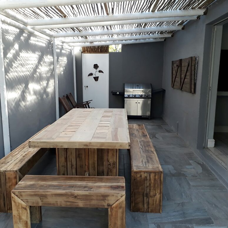Exciting and Stunning Hand Made Pallet Furniture