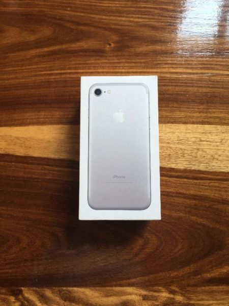 Iphone 7 128 gb silver for a bargain