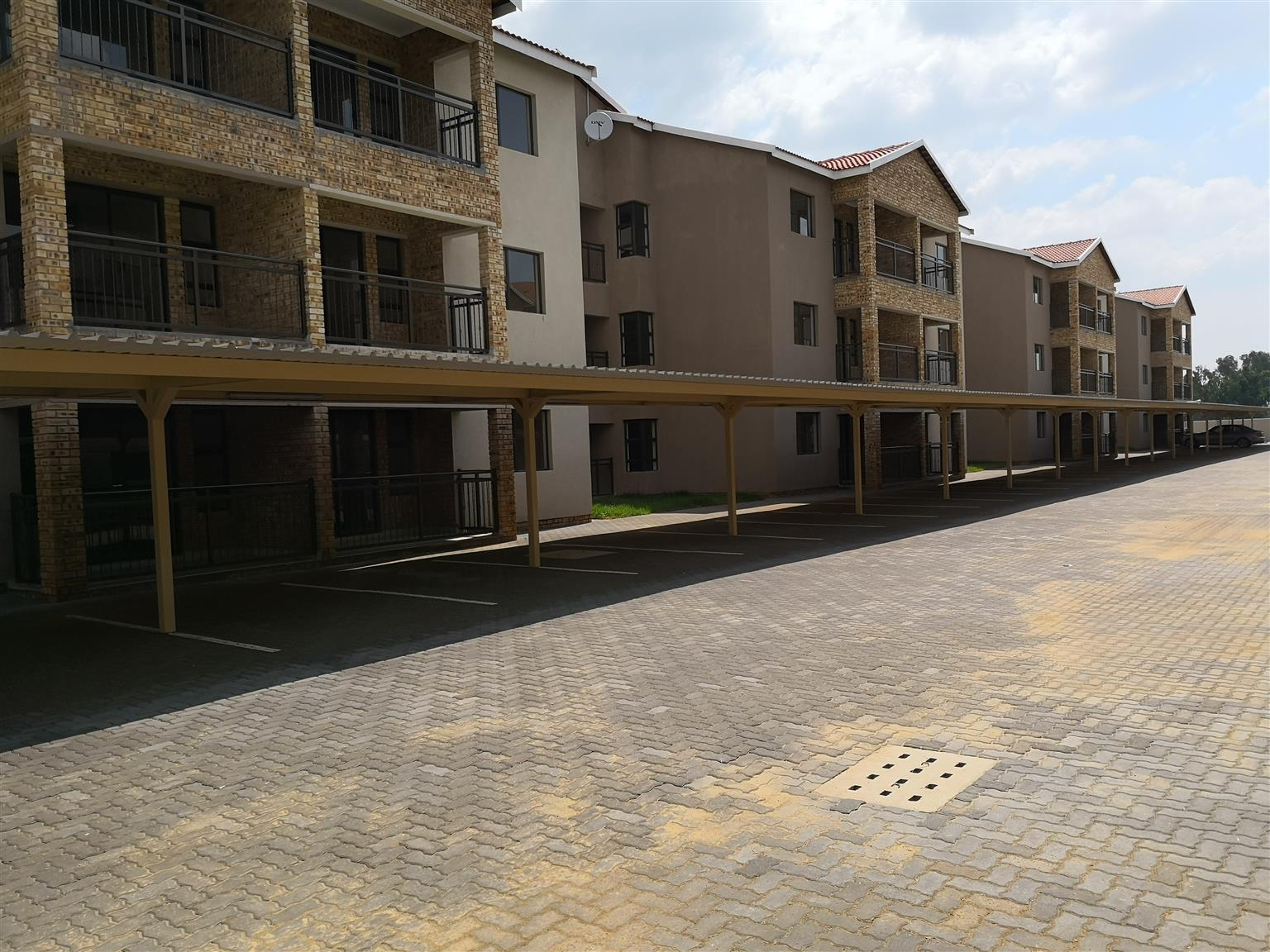 NEW DEVELOPMENT 2 BEDROOM APARTMENTS FOR SALE - BRENTWOOD PARK/POMONA