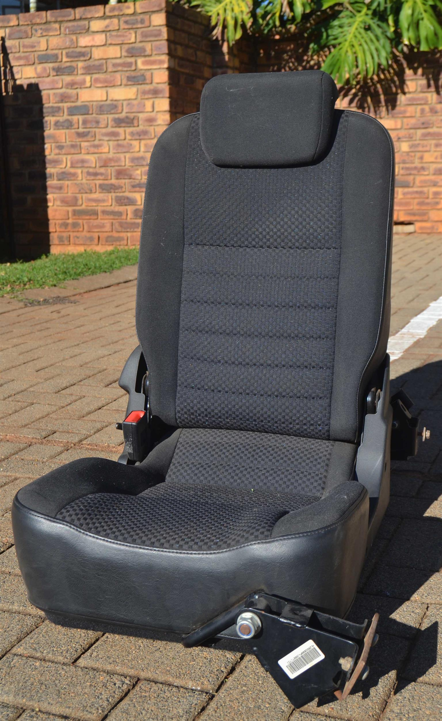 c52e23aeb Land-rover Defender Jump Seat