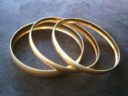 Cash for your Gold/Diamond Rings and Kruger Rands.