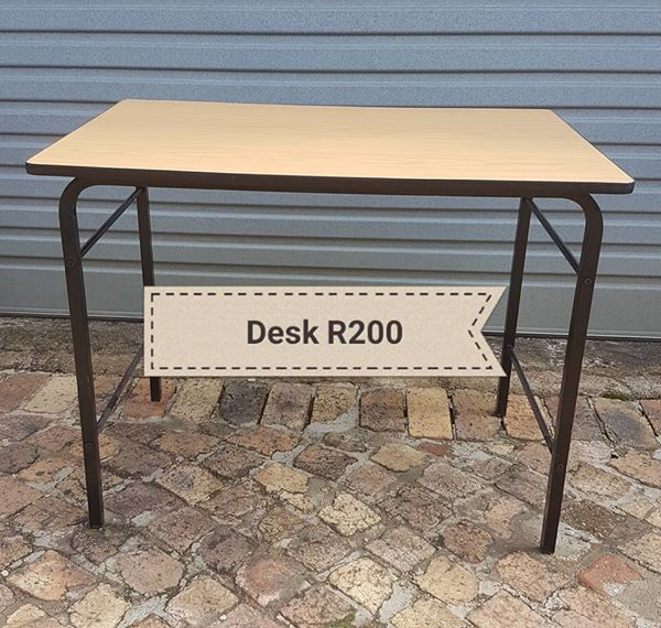 Desk /table for sale