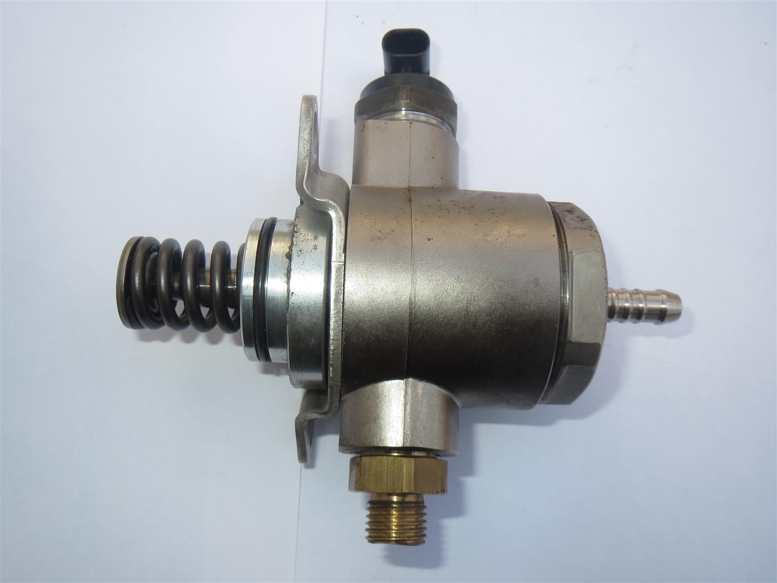 Audi A4 - 2.0L TFSI  fuel pump