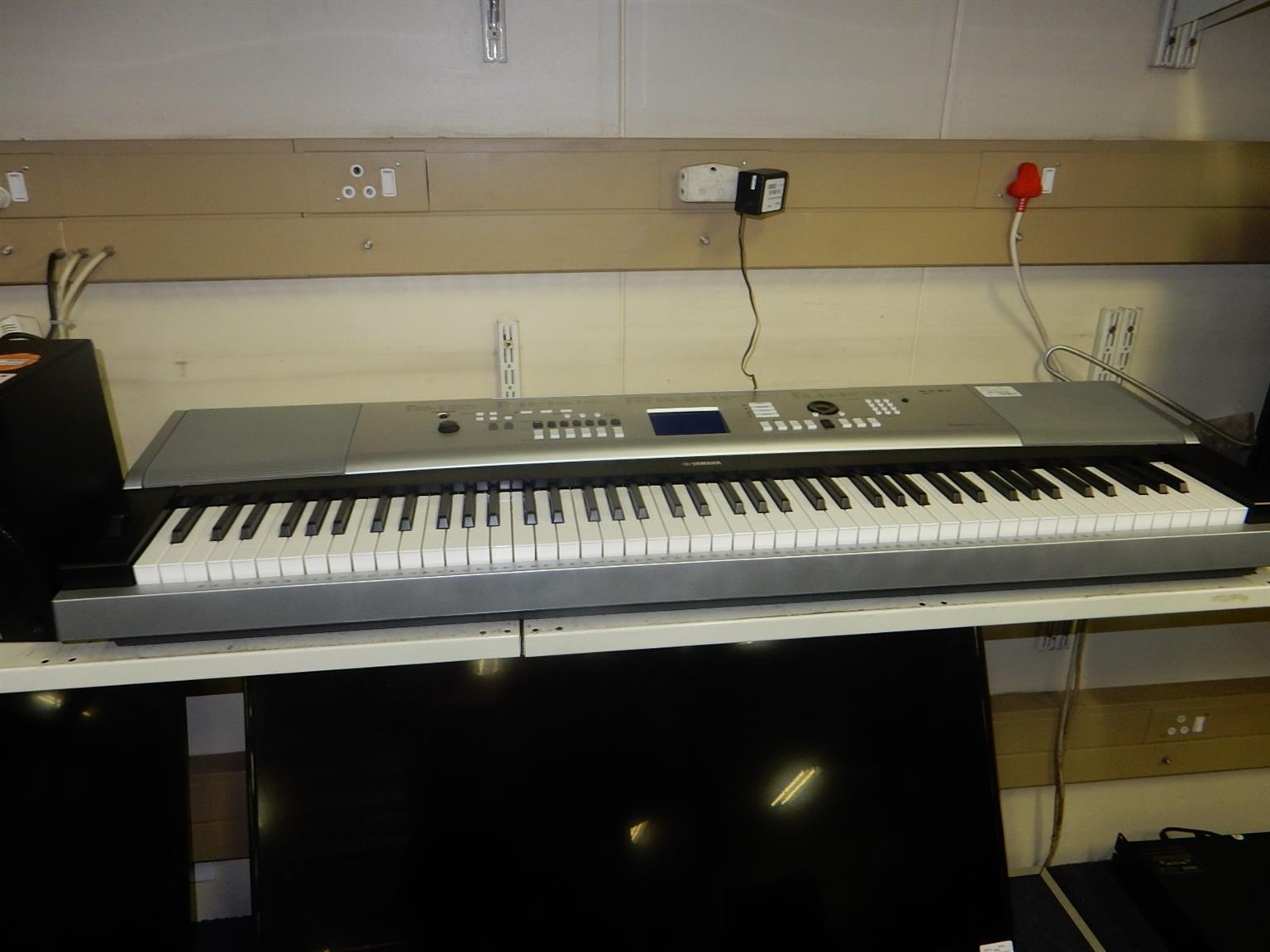 Yamaha DGX-350 Keyboard