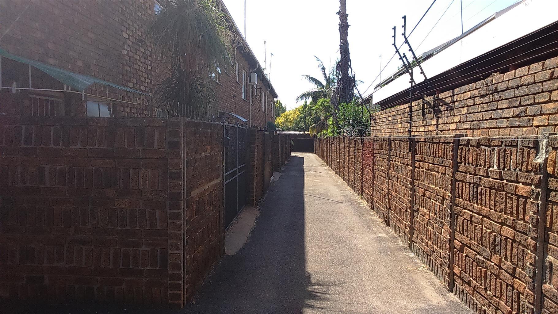 Theanohof 6, Pretoria-Noord