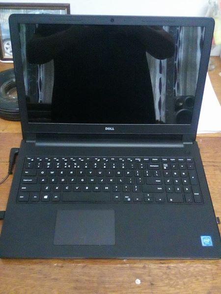 Dell Intel Celeron laptop + accessories.