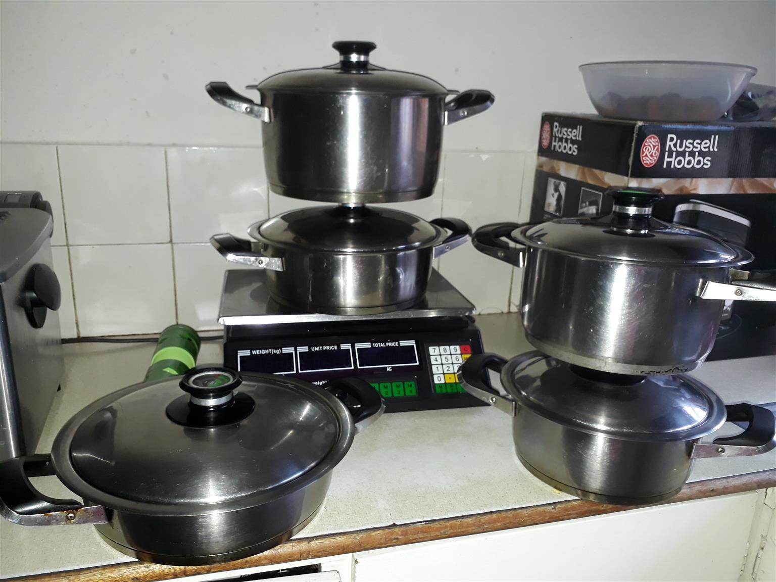 AMC pots for sale 5 pots+ lids