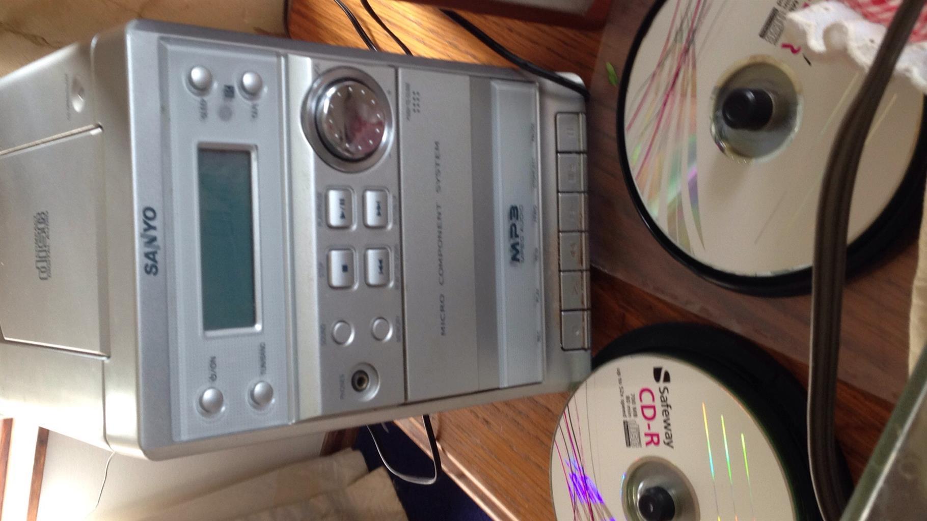 CD player , Radio,Tape Deck