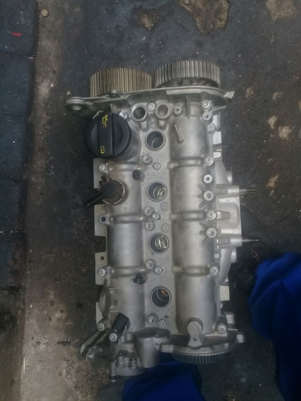polo 1.2 tsi cylinder head for sale