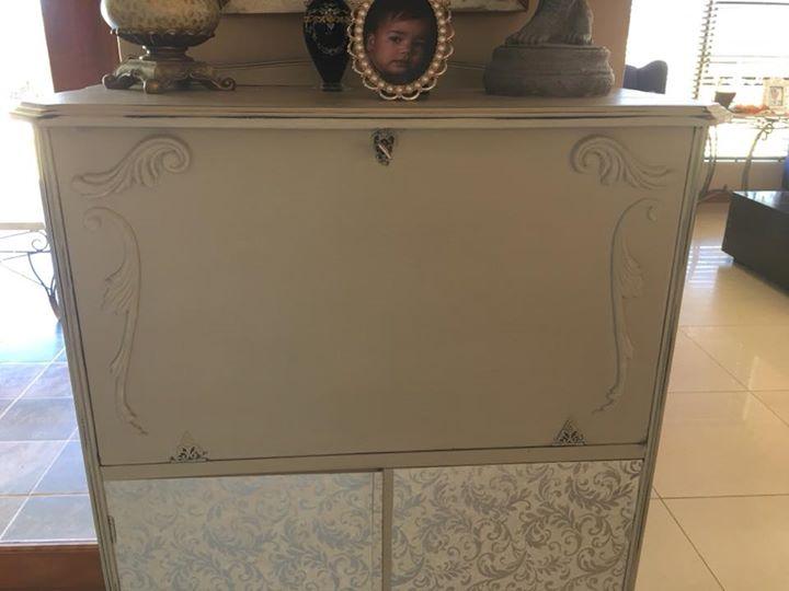 Queen Anne bar cabinet