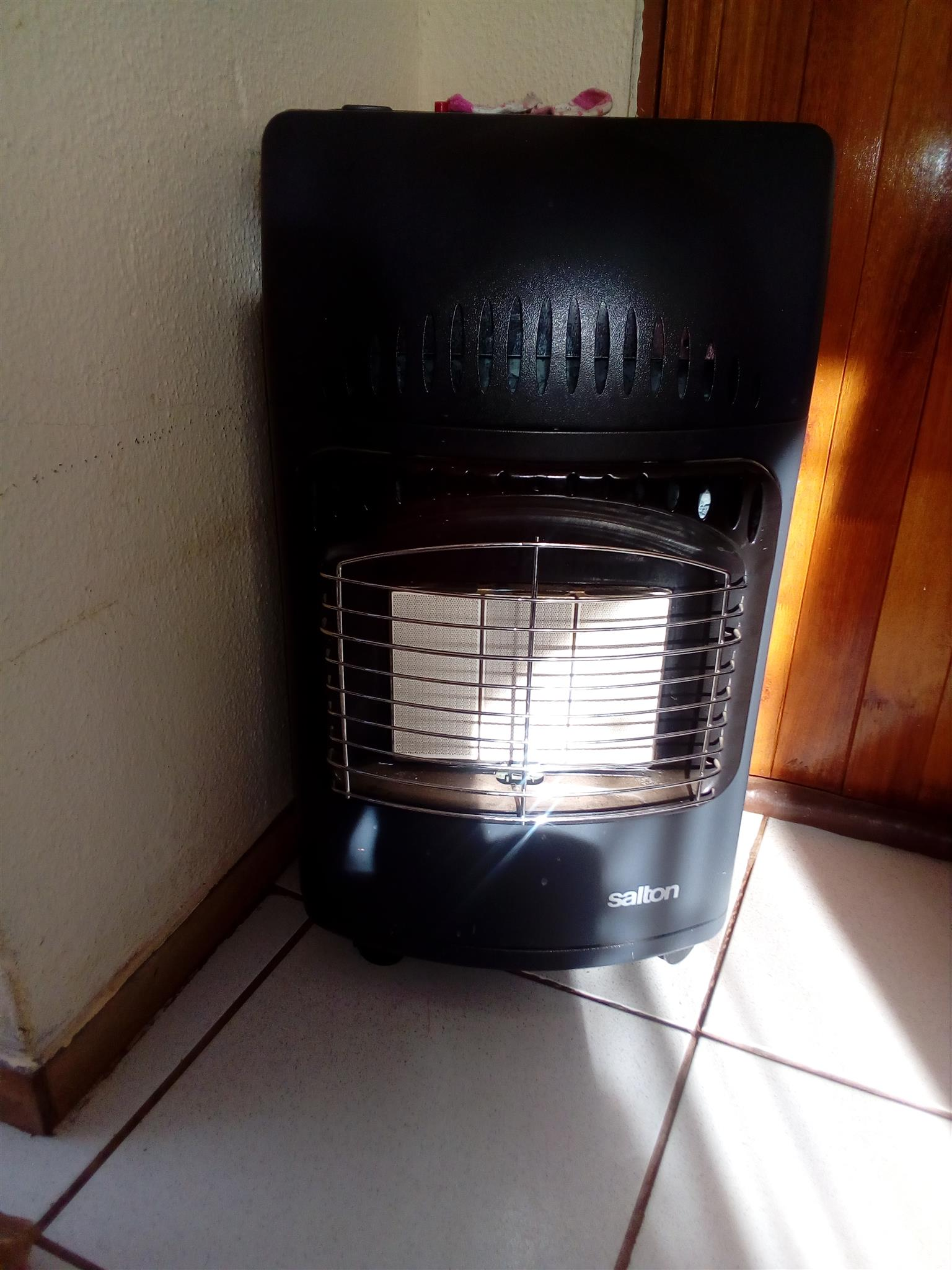 I'm selling my heater with a gas bottle