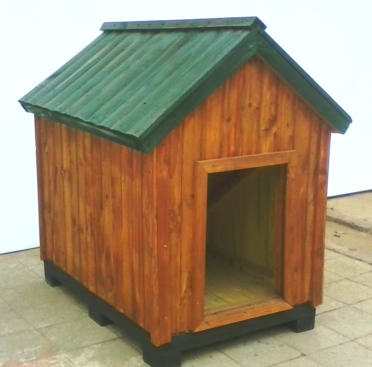 DOG KENNELS MADE TO ORDER