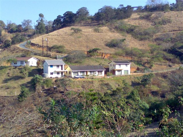 Bothas Hill -  4 vacant Serviced  Sites