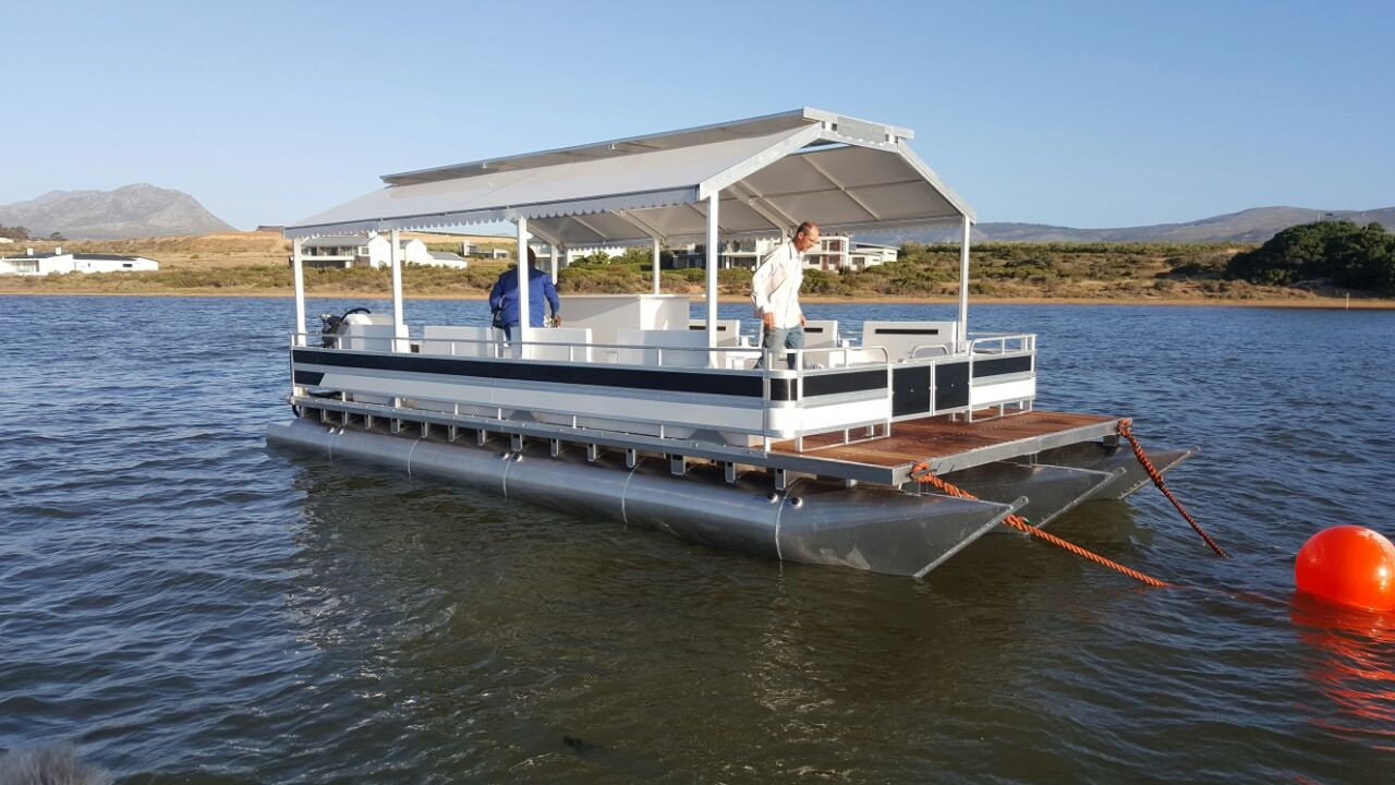Pontoon Boats andWork Pump Platforms