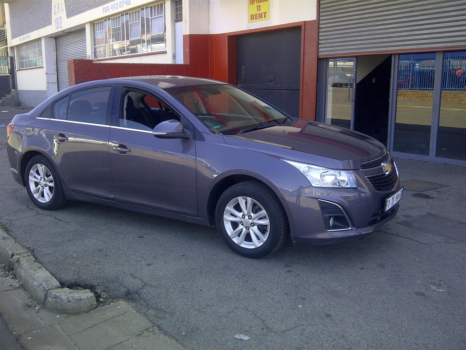 CheLSvrolet Cruze 1.6 , 5-door, Aux pot, Factory A/c, C/d player, Central locking, mobilizer.