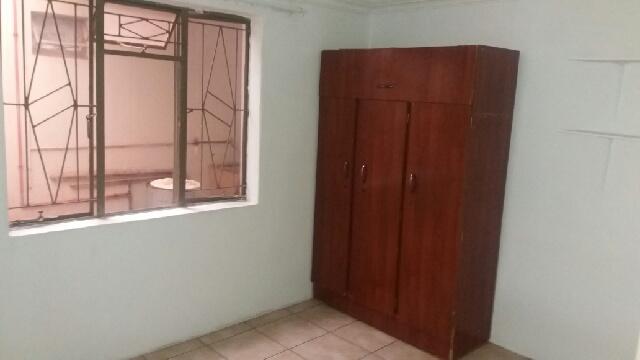 3 Bedroom Garden Flat to rent in Mountain View