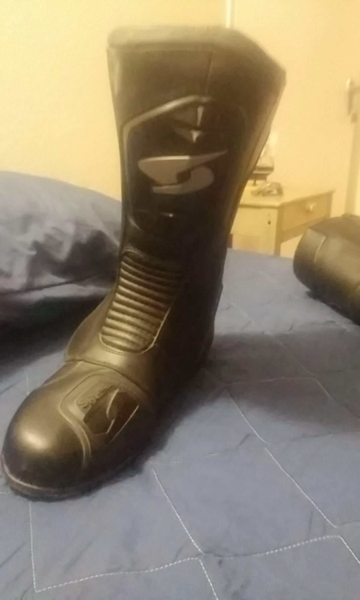 Bike boots and pants