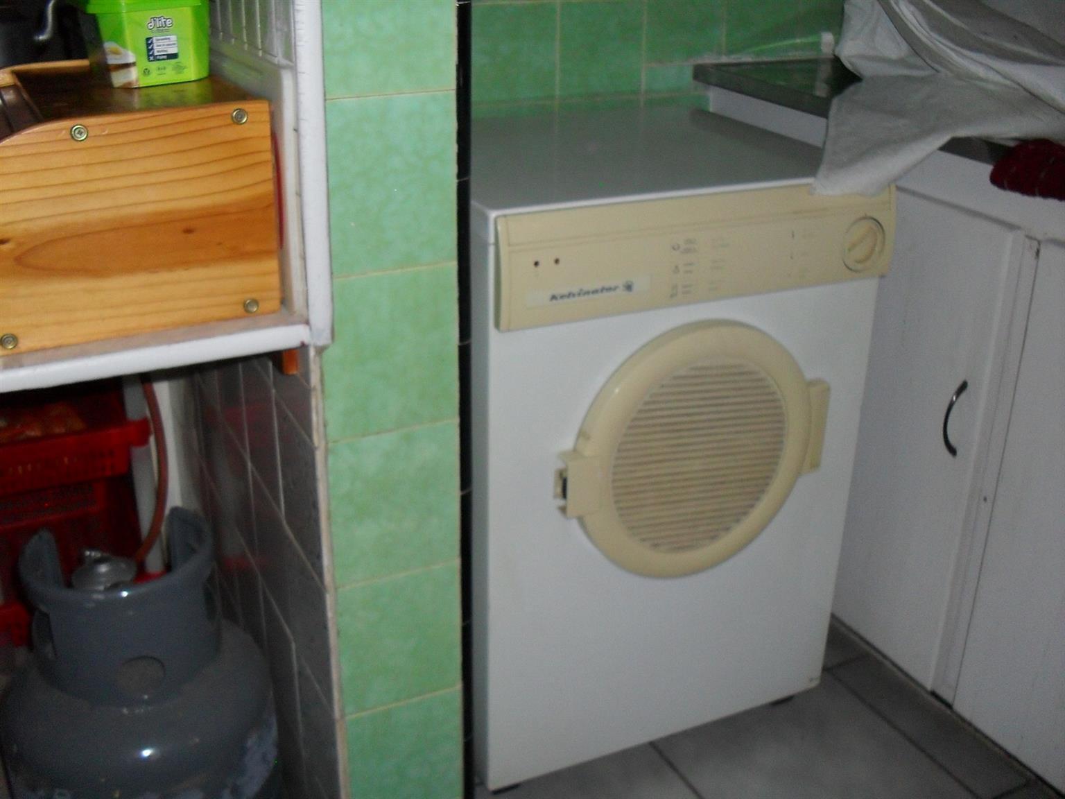 Kelvinator Tumble Dryer  in good working order