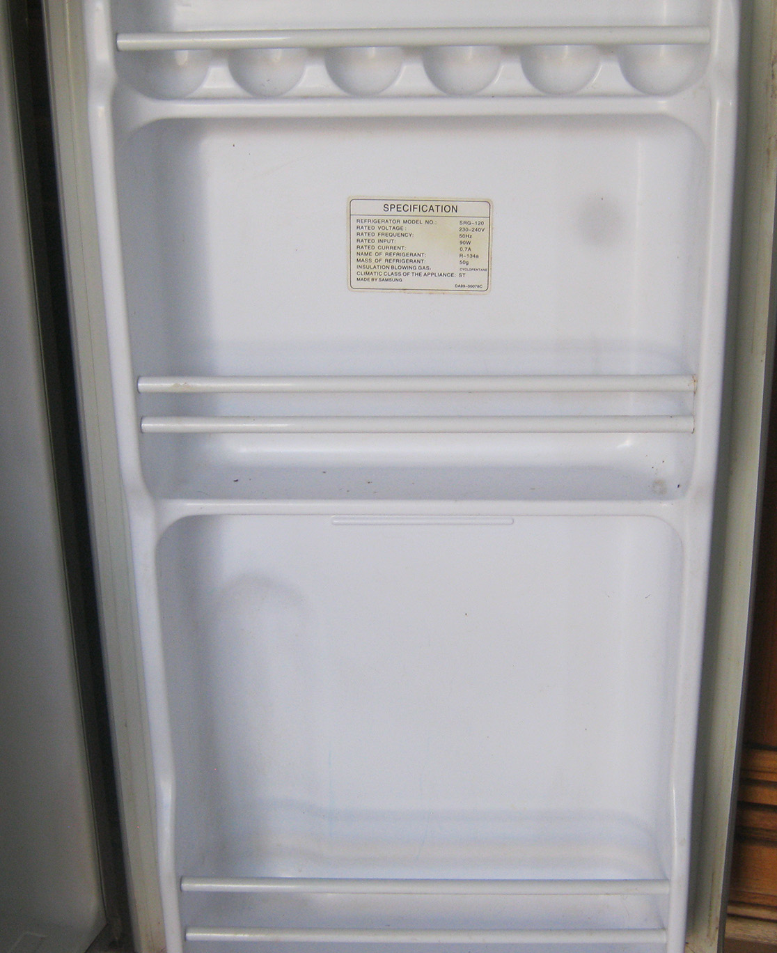 Samsung SRG-120 bar fridge