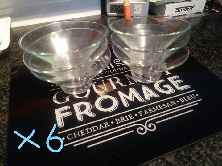 Mini glass cocktail bowls