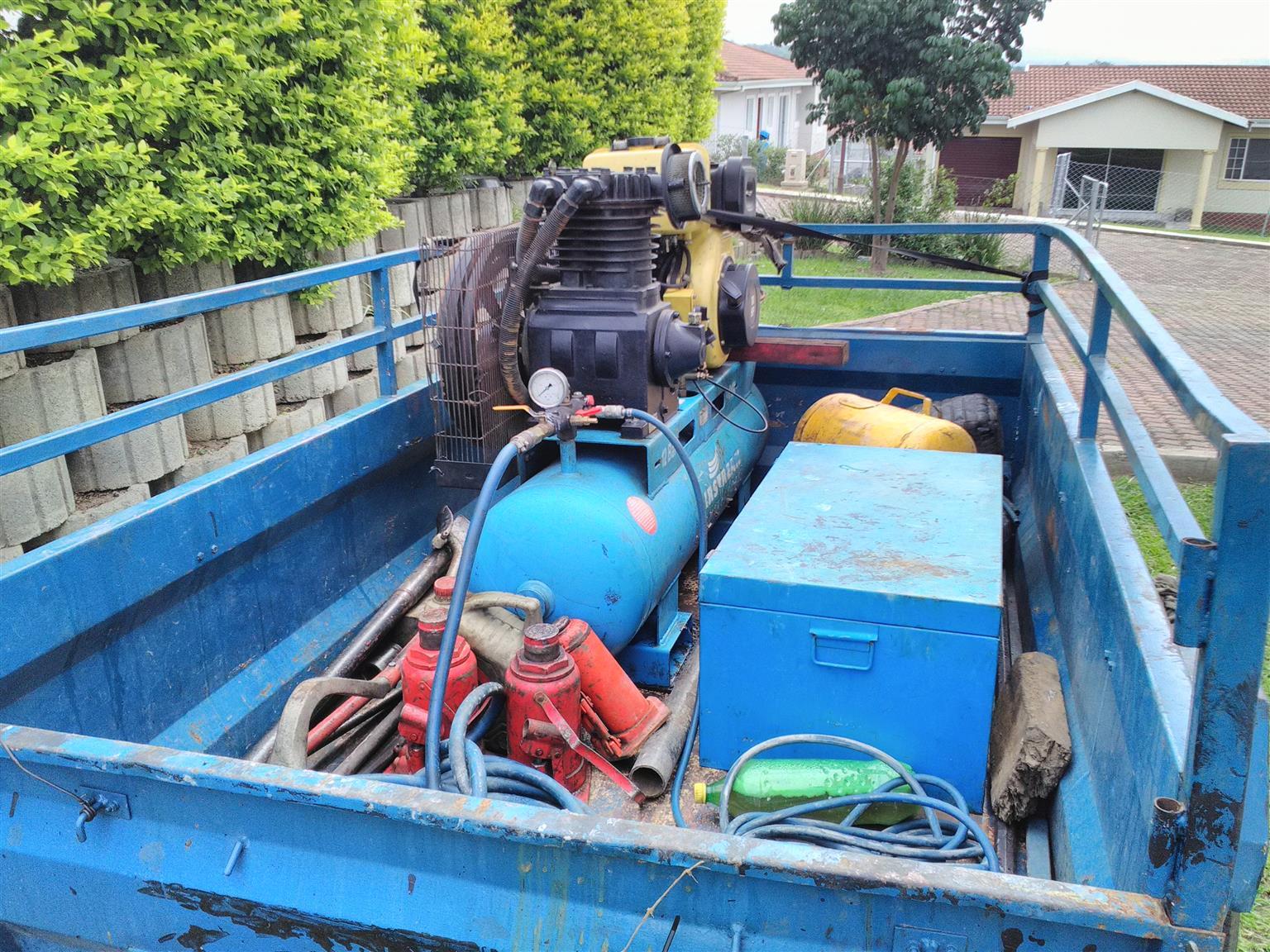 Mobile truck Tyre breakdown unit for sale