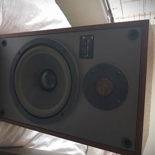 AR 18 Speakers