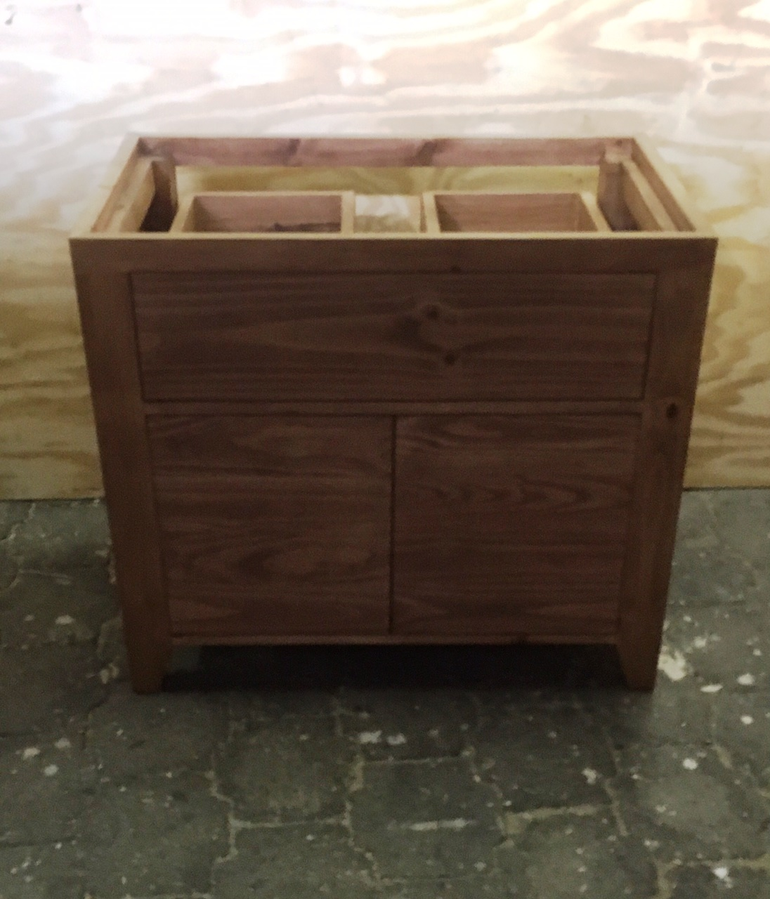 Vanity drawers and cupboard with doors Farmhouse series 900 Stained