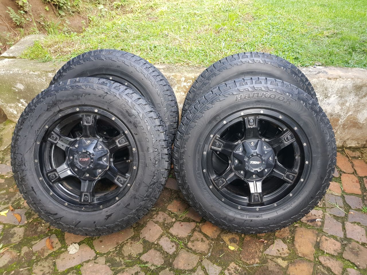 Hankook tyres and mags
