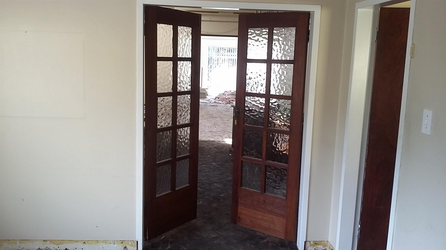 Lovely Double FRENCH DOORS Maranti