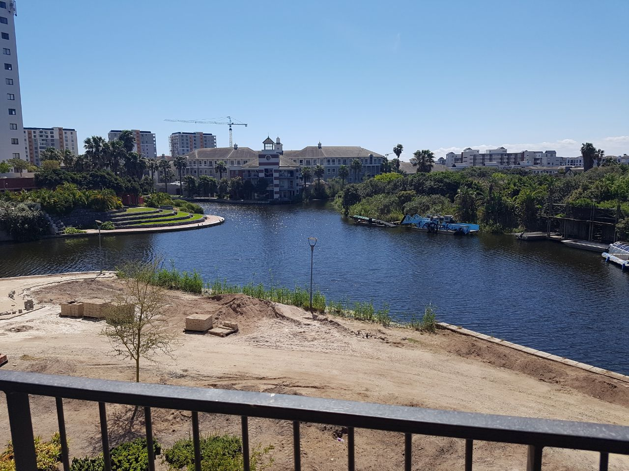 Brand new 1 bedroom apartment in Century City 5 min from Canal Walk R11500 pm Neg