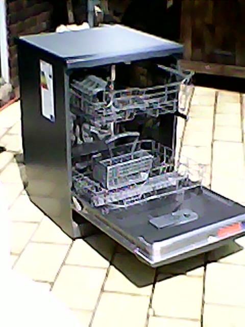 Kelvinator Extreme Clean Dishwasher model KD12MM1