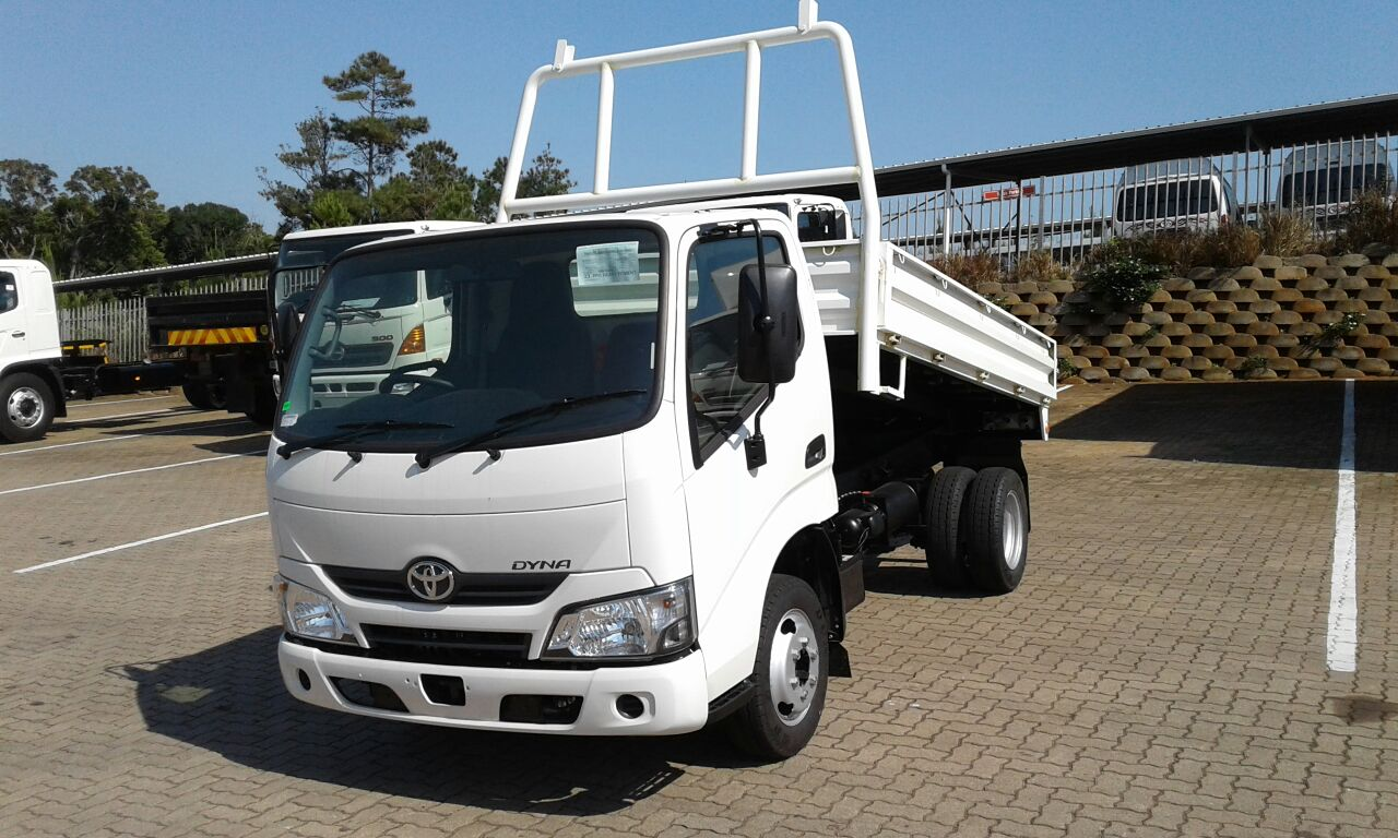 2018 Dyna 150 tipper with dropsides. code 08 licence required